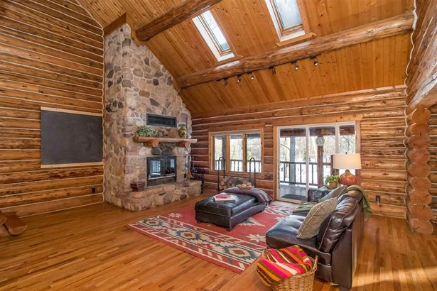 2 story, Log Home - Pardeeville, WI (photo 5)