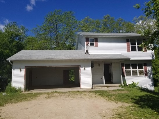 Colonial, 2 story - Cambria, WI (photo 1)