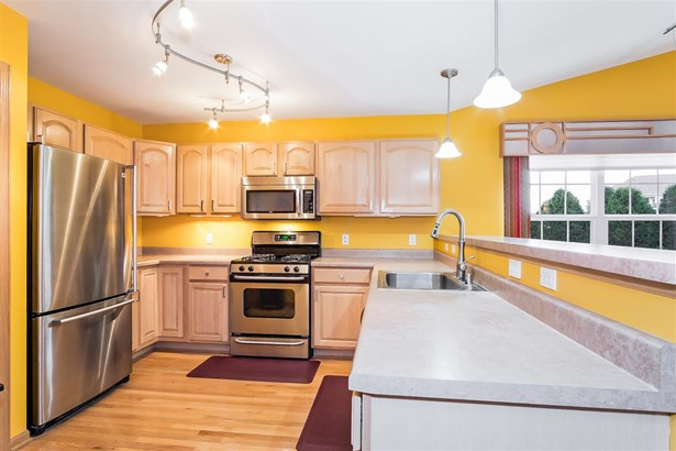 Ranch-1 Story,Shared Wall/Half duplex - Middleton, WI (photo 5)