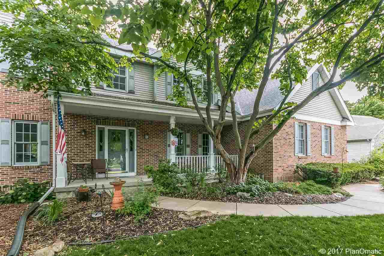 Colonial, 2 story - Madison, WI (photo 1)
