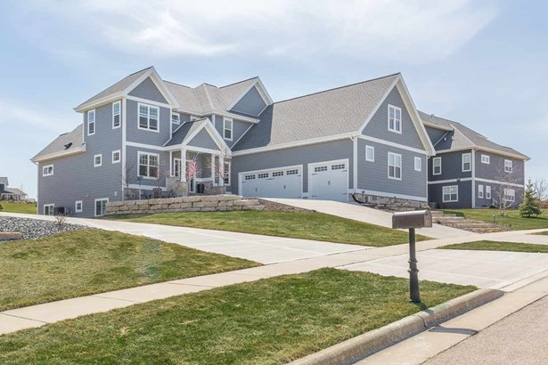 Contemporary,Colonial,Prairie/Craftsman,Other, 2 story - Oregon, WI