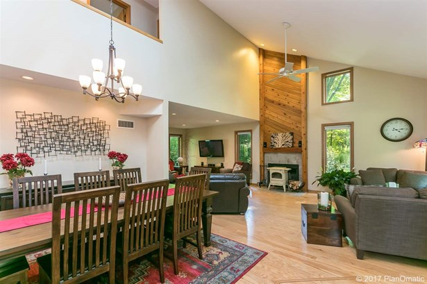 Contemporary,Transitional, 2 story - Cross Plains, WI (photo 4)