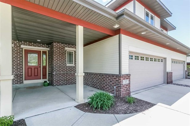Townhouse-2 Story - Fitchburg, WI (photo 3)
