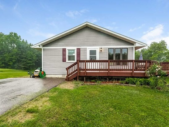 1 story, Ranch - Merrimac, WI