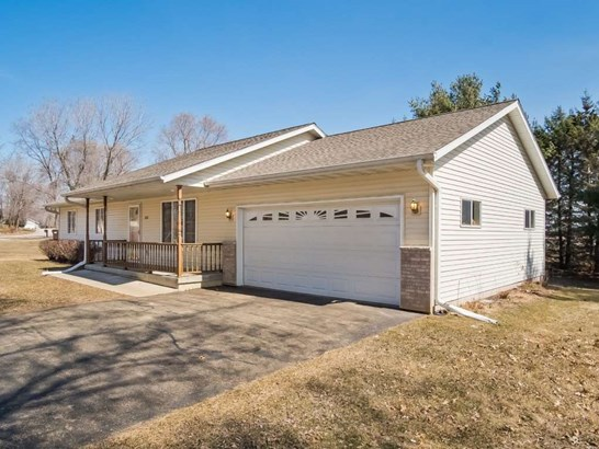 1 story, Ranch - Pardeeville, WI (photo 3)
