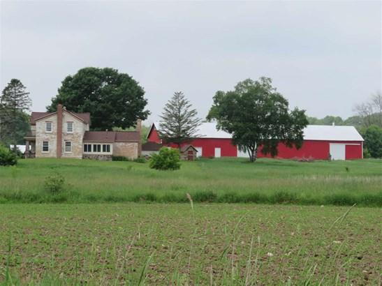 2 story,Farm, Colonial,National Folk/Farm - Jefferson, WI (photo 1)