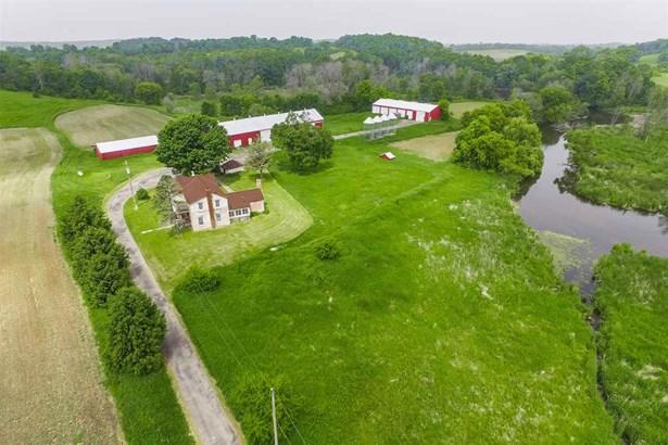 2 story,Farm, Colonial,National Folk/Farm - Jefferson, WI (photo 2)