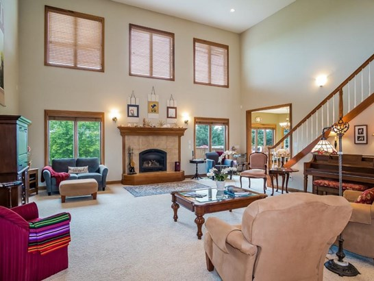 Colonial,Other, 2 story - Waunakee, WI (photo 5)