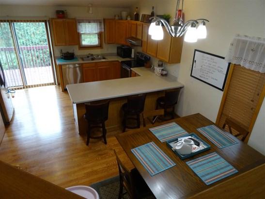 Tri-level, Multi-level - Madison, WI (photo 4)