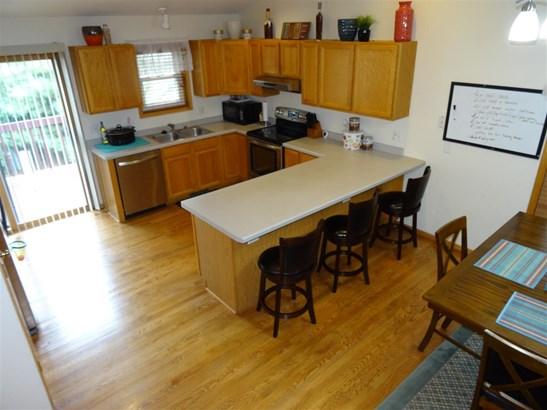 Tri-level, Multi-level - Madison, WI (photo 5)