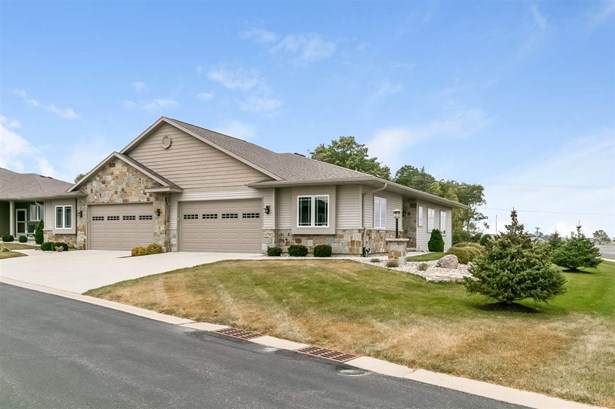 Ranch-1 Story,Shared Wall/Half duplex,55 and over - McFarland, WI (photo 1)