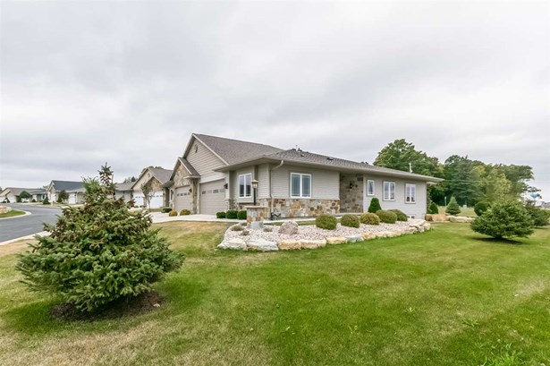 Ranch-1 Story,Shared Wall/Half duplex,55 and over - McFarland, WI (photo 2)