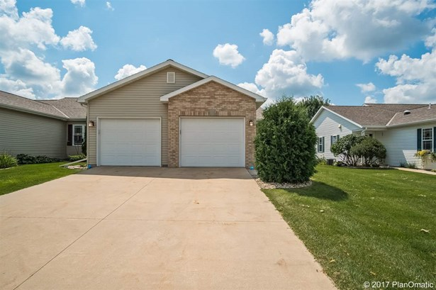Ranch-1 Story,Shared Wall/Half duplex,End Unit - Madison, WI (photo 2)