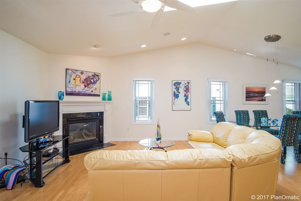 Ranch-1 Story,Shared Wall/Half duplex,End Unit - Madison, WI (photo 3)