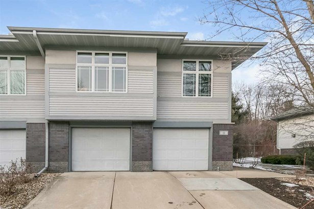 Townhouse-2 Story,End Unit - Madison, WI (photo 1)