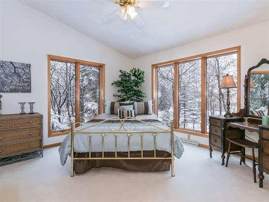 1 story, Contemporary - DeForest, WI (photo 5)