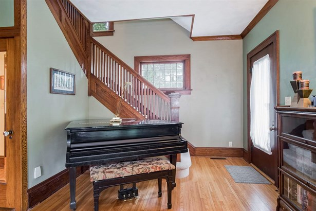 2 story, Victorian - Mount Horeb, WI (photo 3)
