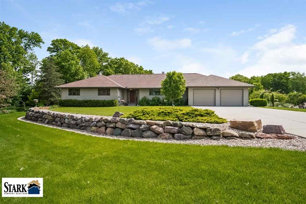 1 story, Ranch,Contemporary - Baraboo, WI (photo 1)