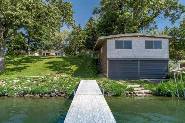 1 story, Ranch,Contemporary,Prairie/Craftsman - Stoughton, WI (photo 2)