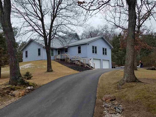 Raised Ranch, 2 story - Reedsburg, WI (photo 1)