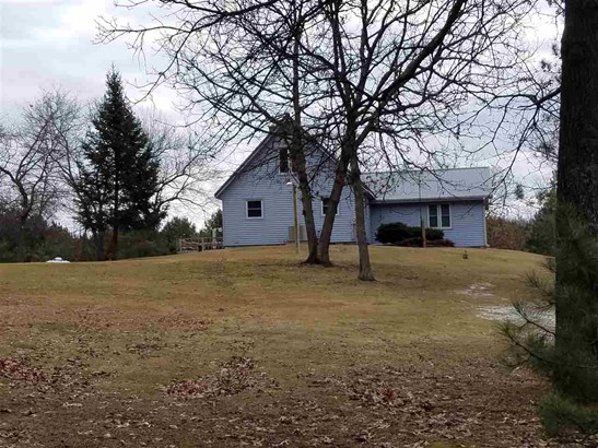 Raised Ranch, 2 story - Reedsburg, WI (photo 2)