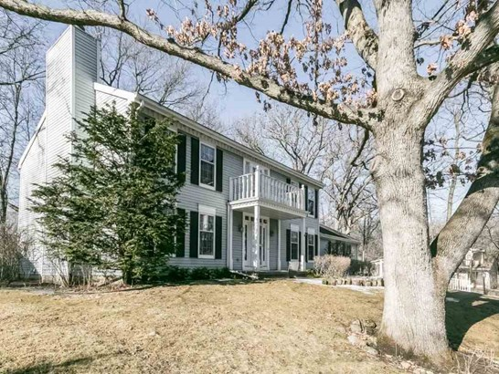 Colonial, 2 story - Fitchburg, WI (photo 2)