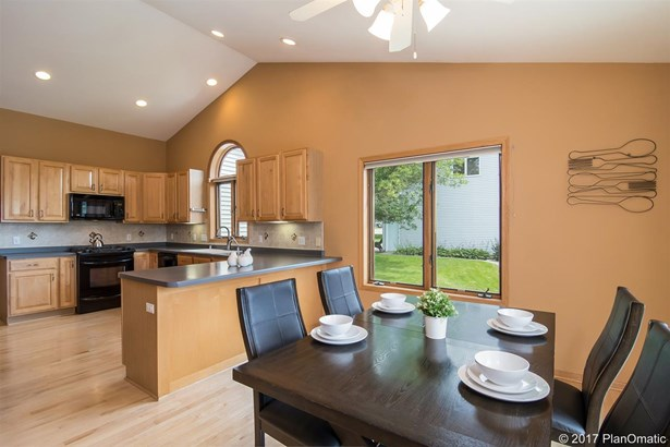 1 story, Ranch - Cottage Grove, WI (photo 5)