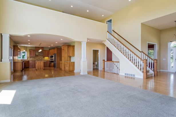 1 1/2 story, Contemporary - Oregon, WI (photo 4)