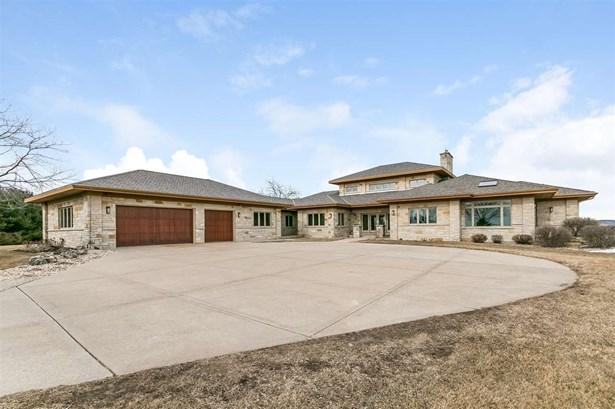 1 story, Contemporary,Prairie/Craftsman - Barneveld, WI (photo 1)