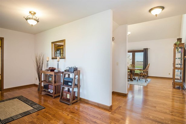 1 1/2 story, Contemporary - Mount Horeb, WI (photo 3)