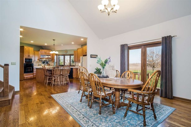 1 1/2 story, Contemporary - Mount Horeb, WI (photo 5)