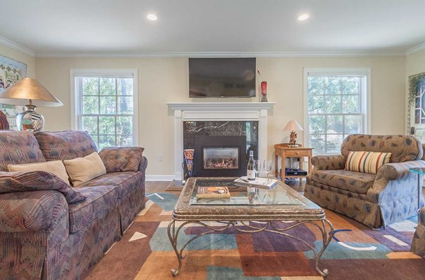 Contemporary,Colonial, 2 story - Madison, WI (photo 2)