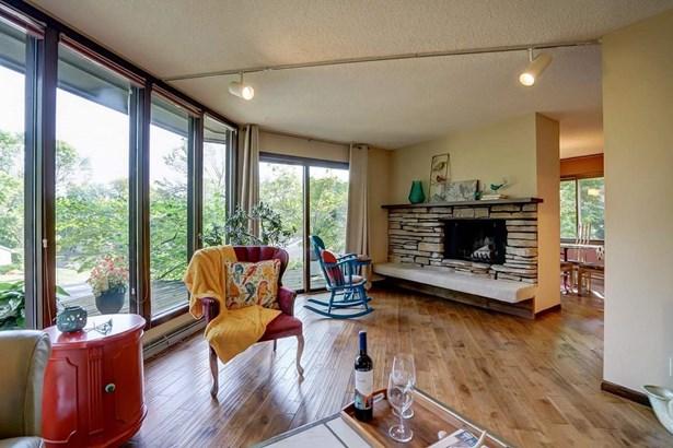 Contemporary,Raised Ranch, Multi-level - Fitchburg, WI (photo 5)