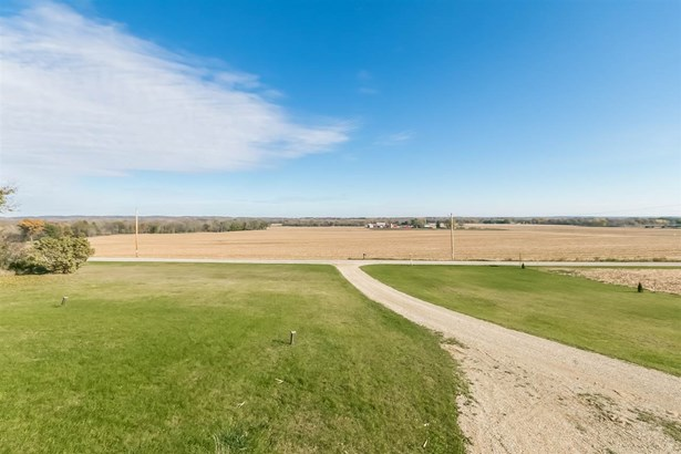 1 story, Ranch,Raised Ranch - Edgerton, WI (photo 3)