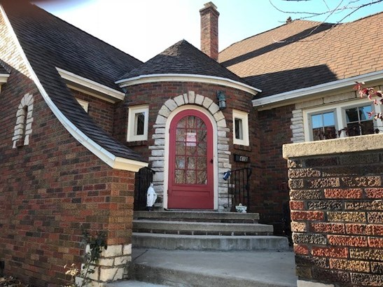 1 1/2 story, Tudor/Provincial - Portage, WI (photo 1)