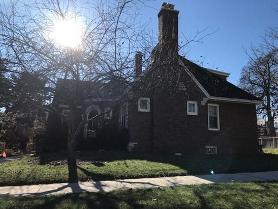 1 1/2 story, Tudor/Provincial - Portage, WI (photo 5)