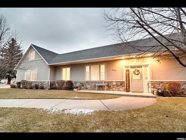 427 W Rawlins Cir, Centerville, UT - USA (photo 2)