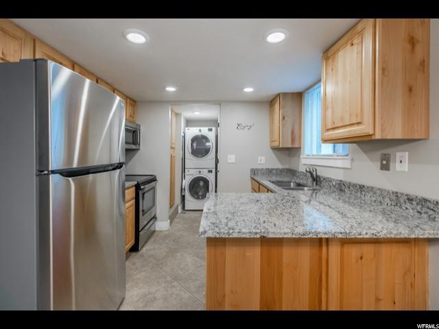 2577 E Canterbury, Cottonwood Heights, UT - USA (photo 1)