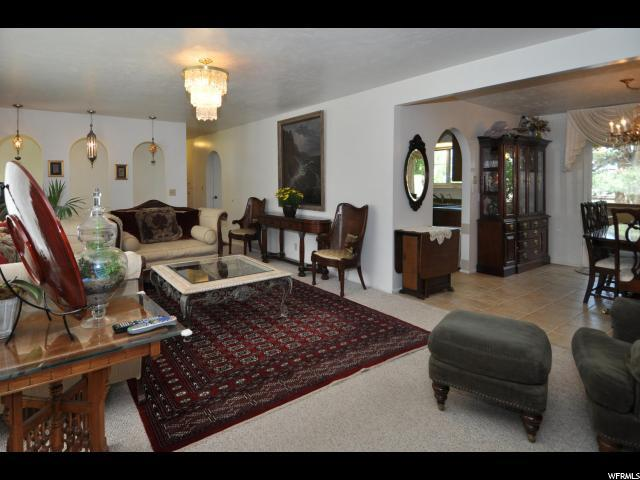 2323 Campus Dr, Cottonwood Heights, UT - USA (photo 4)