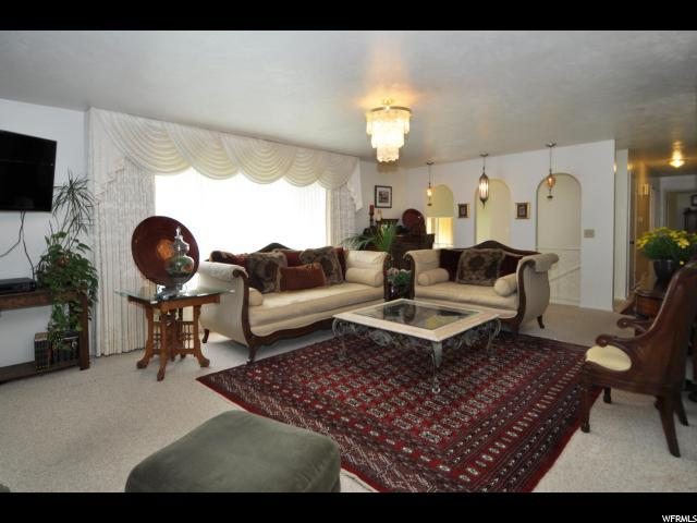 2323 Campus Dr, Cottonwood Heights, UT - USA (photo 5)