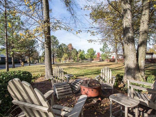 Cabin, House - Ketchum, OK (photo 2)