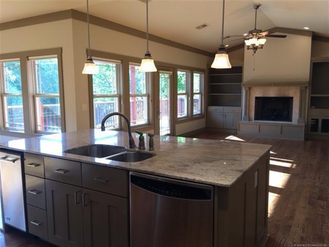 Craftsman, House - Grove, OK (photo 4)