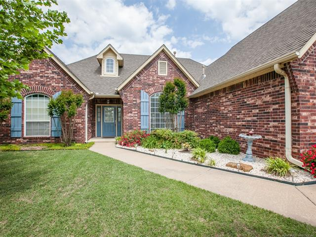 Country French, House - Claremore, OK (photo 3)