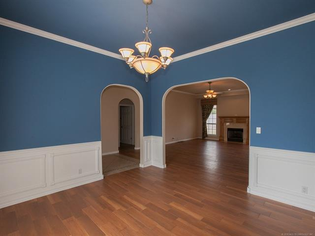 Country French, House - Claremore, OK (photo 5)