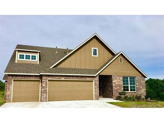Craftsman, House - Collinsville, OK (photo 1)