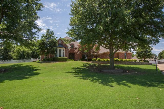 Country French, House - Claremore, OK (photo 1)
