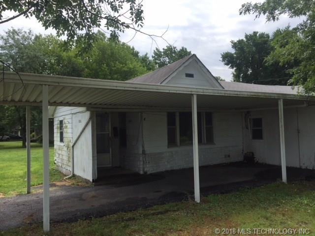 House, Bungalow - Commerce, OK (photo 2)