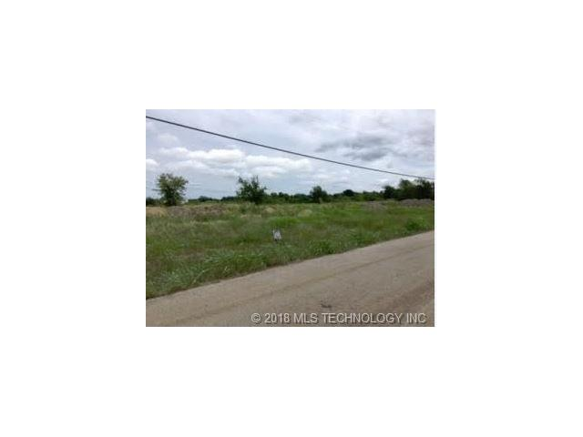 Acreage:  5 or less - Collinsville, OK (photo 1)