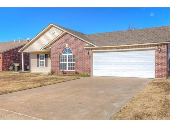 Country French, House - Collinsville, OK (photo 4)