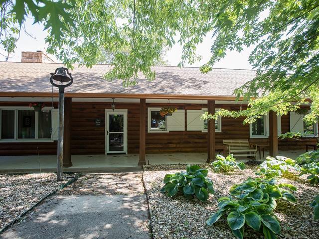 Log, House - Vinita, OK (photo 1)